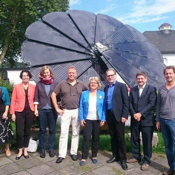 Jörg Heynkes mit Umweltministerin Svenja Schulze, Oberbürgermeister der Stadt Wuppertal Andreas Mucke, MdL Josef Neumann, und andere